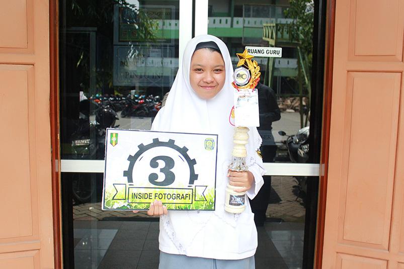 Alifiyah Yunanda Juara 3 Lomba Fotografi se-Kab. Gresik